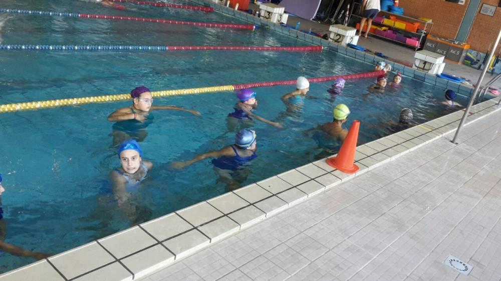 Athena volley l under13f inizia la preparazione in piscina for Piscinas athena